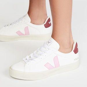 New Veja Campo sneaker